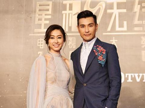 当年TVB帅哥好多,古天乐黎明神颜,被戴眼镜的郑少秋郑伊健秒杀