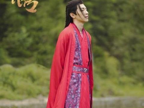 邓伦——忘不了红衣少年,是笑靥如花的萧策,是一往情深的旭凤