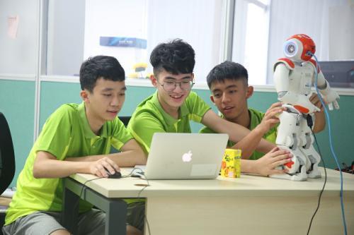 澳门大学将办科普夏令营 启发中小学生探索科学兴趣