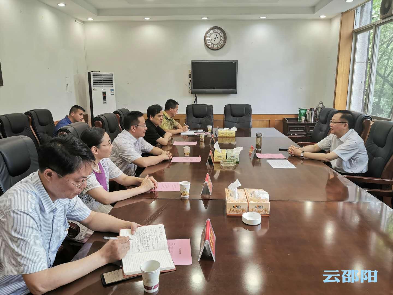 龚文密与刘家清座谈:充分发挥气象工作在防灾减灾中的作用