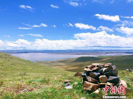 两岸记者探访黄河源头扎陵—鄂陵湖