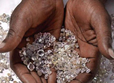 非洲钻石体积大还便宜,为何游客很少买?驴友:可能是坑