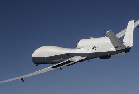 伊朗将无人机残骸交给俄罗斯!伊军百枚导弹高高竖起:瞄准美军