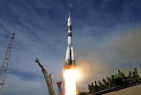 一声巨响之后,火箭芯级炸成碎片!美国10亿美元航天任务功亏一篑