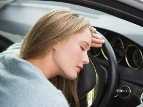 如果在车窗紧闭的情况下,在车内睡觉会缺氧吗?现在告诉你答案