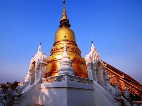 """全球""""最强悍""""的建筑,被巨龙蜿蜒盘旋,就在泰国"""
