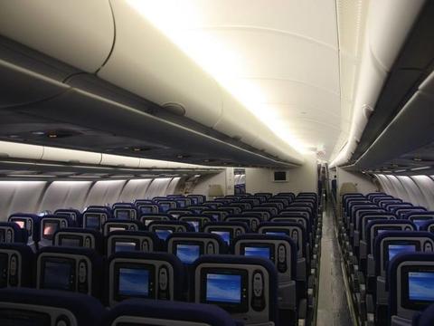 如果空姐乘坐飞机出游的话,那她会怎样选择座位?终于明白了!