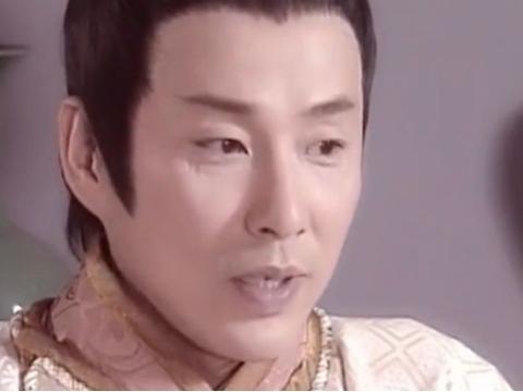 《少年包青天》里八贤王总把手藏在袖子里,这体现了陈道明的专业