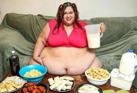 美国600斤胖妹生活无法自理,却还想继续增肥,真相让人尴尬!