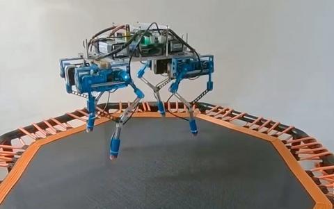 不用弹性腿也能跳,浙大博士用蹦床研究机器人跳跃