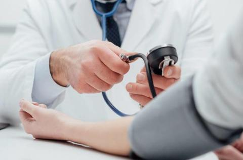 高血压合并糖尿病怎么办?医生提醒:血压降到这个值才安全