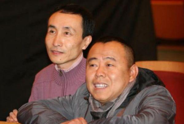 62岁潘长江一家近照,老婆风韵犹存,36岁女儿貌美如花