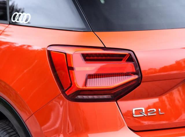 最便宜豪华SUV,优惠多达4万,颜值帅气8.7秒破百,18万就可拿下