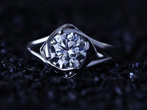 购买白金婚戒的注意事项有哪些?送钻戒送什么牌子的比较好?