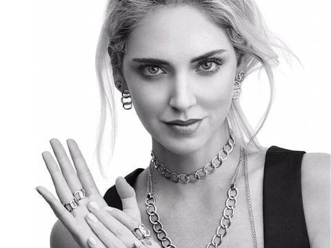 """她被称为""""宇宙第一时尚博主"""",人美、气质好,衣品更是超时髦"""