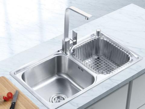 老师傅家里都是这样装厨房水槽,清洁简单又好用,别说没提醒你了