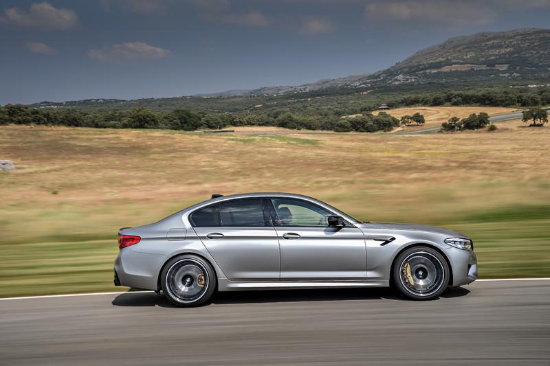 强悍的双涡轮V8引擎,宝马BMW M5冲出7分35.9秒纽柏林单圈成绩