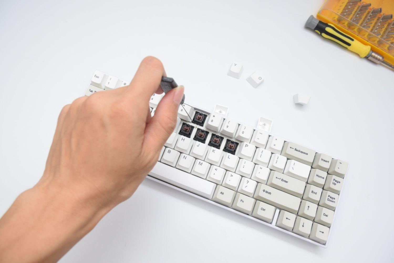 简易拆解教程,GANSS ALT71机械键盘简析