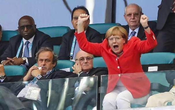 """【蜗牛棋牌】默克尔两次全身颤抖不止 德国""""铁娘子""""还好吗?"""