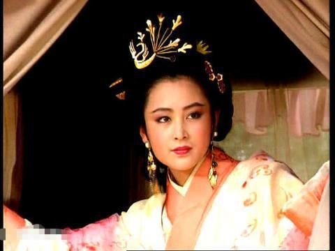 中国内地女星的顶级美,古装时装惊艳几代人,51岁身材依然冻龄