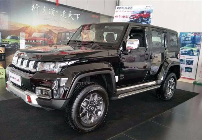 国六北京BJ40 Plus到店实拍,分时四驱+ESP,一身黑够劲!