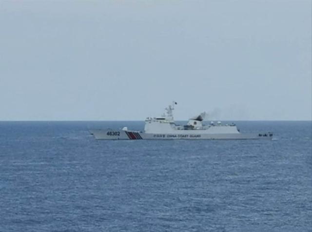 一座油井现身南康暗沙,大批海警船赶到亮出舰炮,该国灰溜溜撤离