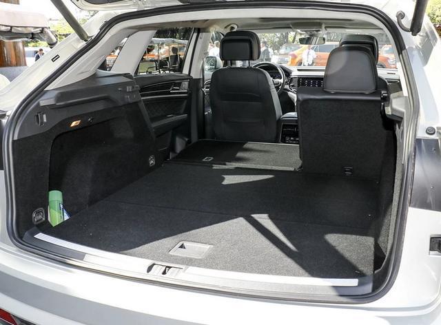 真正的大7座SUV,空间远超汉兰达,座椅放倒能当床用,优惠2万多