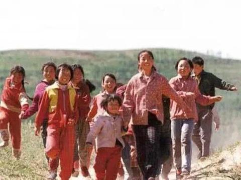 义务教育法施行:不落下任何一个孩子,不辜负每一个未来