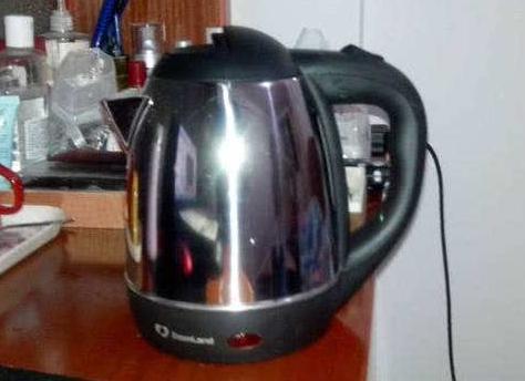 为什么有钱人都不买这种电热壶?用过才知坑,身体越来越差