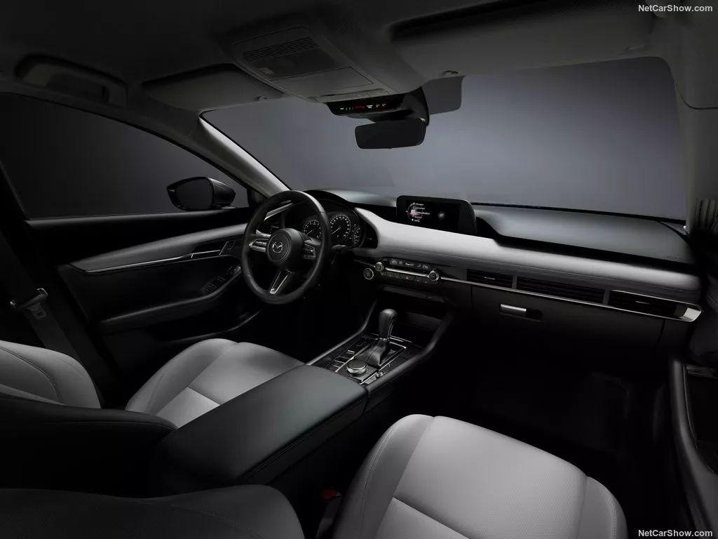 汽车内饰革命:从大屏、多屏走向无屏