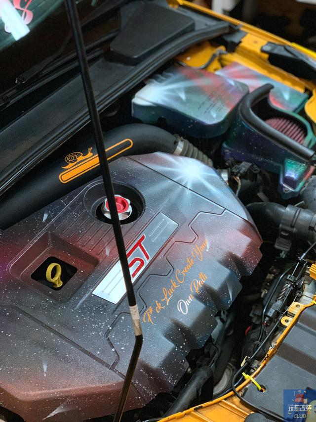 """福特福克斯ST!""""闪耀的颜值""""证明这是一辆真正的性能车!"""