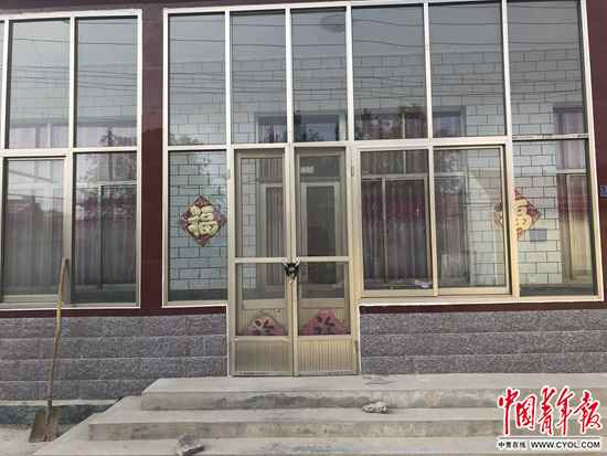 杨家大门。中国青年报·中国青年网记者王嘉兴/摄