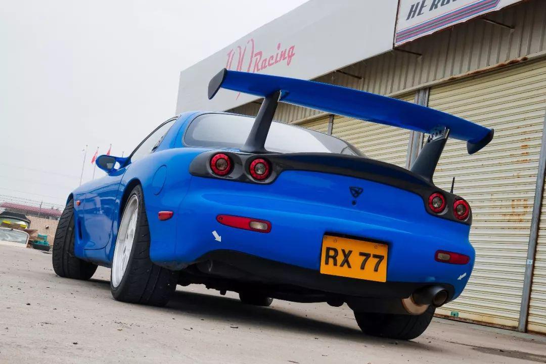 有钱人的快乐:爱转子,一定要买RX-7