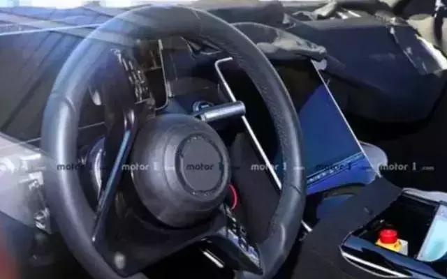 外媒爆新款奔驰C级谍照,搭载六缸动力,预计2021年上市!