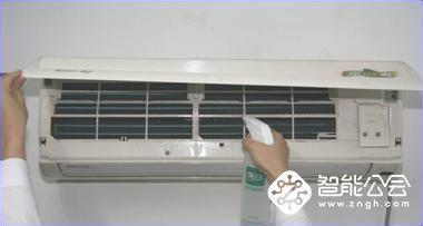 """有些""""空调病""""可能是因为你不清洗空调形成的"""