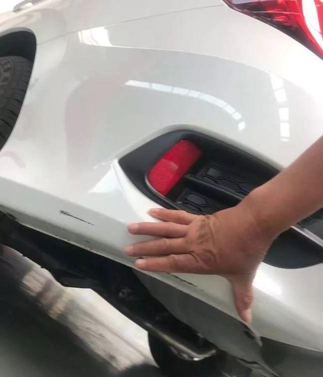 淄博女车主到4S店做保养,取车时竟发现车上多了不少…