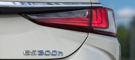 雷克萨斯ES 300h混动版车型怎么样?值得买吗?
