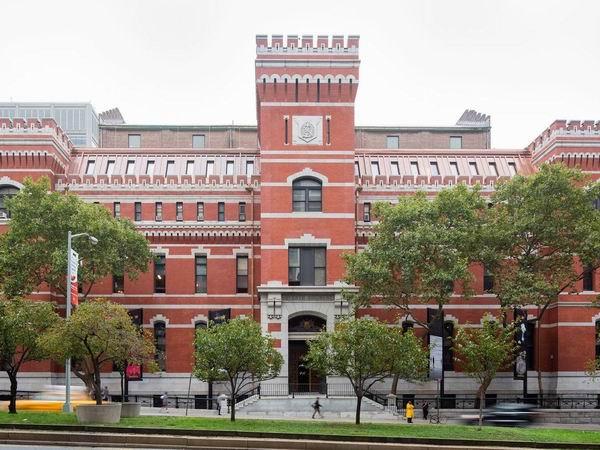 揭示现实的美学,纽约军械库展德国艺术家黑特·史德耶尔作品
