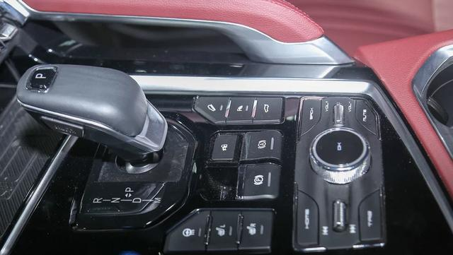 猎豹也换标了!全新LOGO超酷炫,新SUV采用轿跑风,感觉有戏
