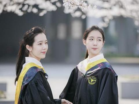 """双胞胎女儿同时被美国名校录取,成功教育背后,还是要""""拼""""爹"""