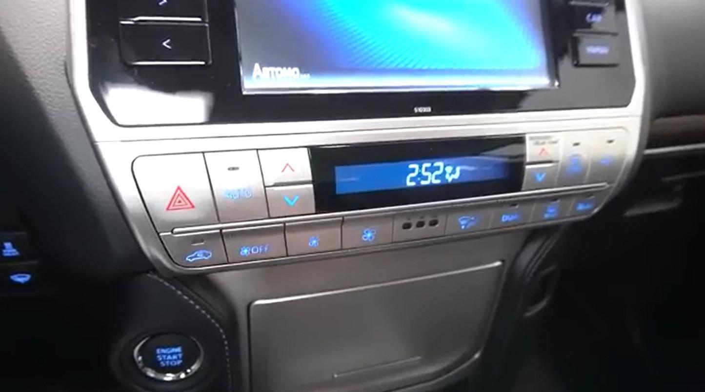 霸气侧漏的中大型SUV 2019款兰德酷路泽普拉多到店实拍