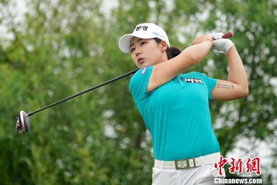 韩国球员李多娟6杆优势夺得韩亚航空高尔夫公开赛冠军
