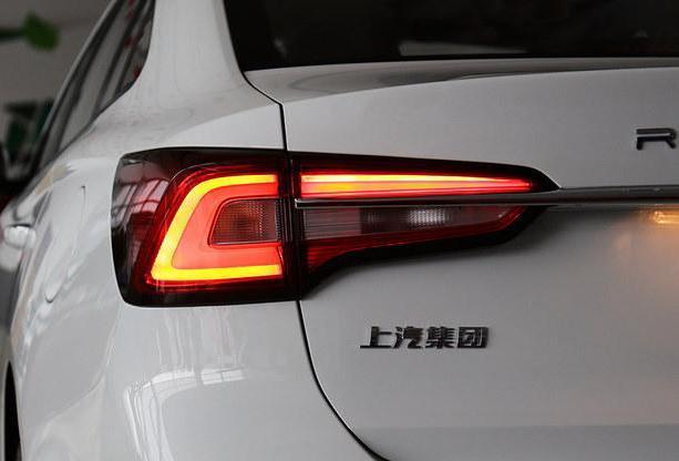 荣威i5探店实拍!销量超2万,这款国产A级车值得出手吗?
