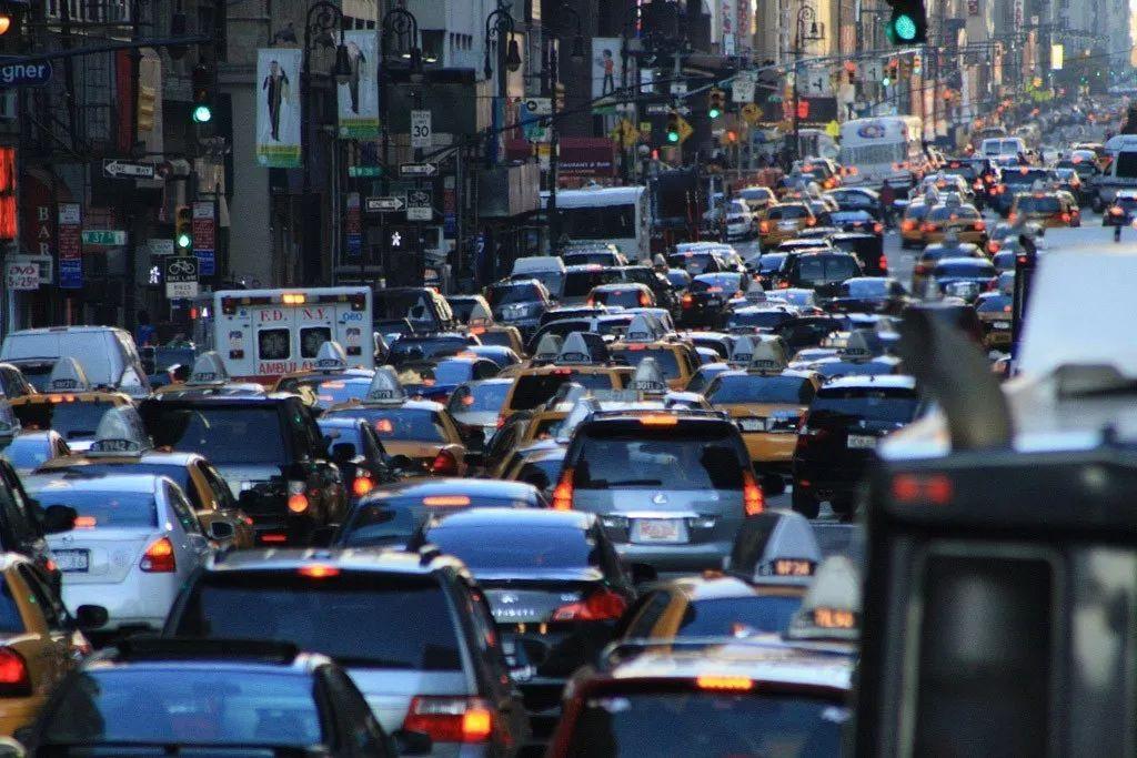 车市半年:喜人的环比增长,漫长的消费冷淡
