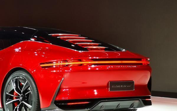 尾部似911,加速能力直逼特斯拉,售价仅20+万的电动轿跑终于来了