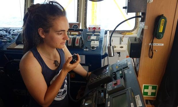 救42名难民强行送入意大利 德国女船长:下次还干