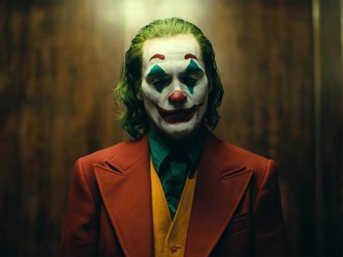 《小丑》故事情节背离原作,粉丝能否接受全新改编