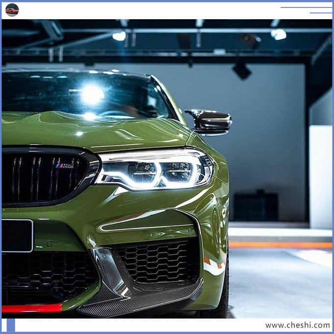宝马新5系性能版实拍,5秒破百,比奔驰E级快,这颜色也少见