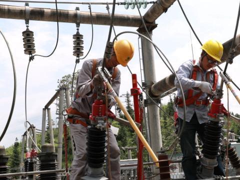 国网馆陶县供电公司积极应对雷雨天气