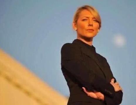 俄罗斯总统贴身女保镖, 一人干趴13名猛汉, 因长相太美被辞退